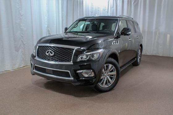 2017 Infiniti QX80 :24 car images available
