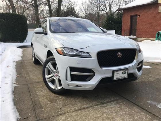 2017 Jaguar F-PACE 35t R-Sport:5 car images available