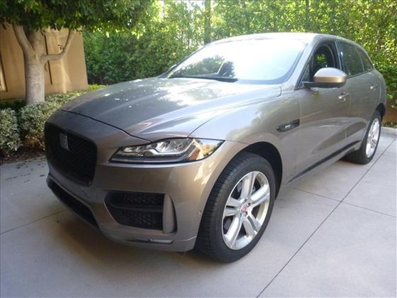 2017 Jaguar F-PACE 35t R-Sport:3 car images available