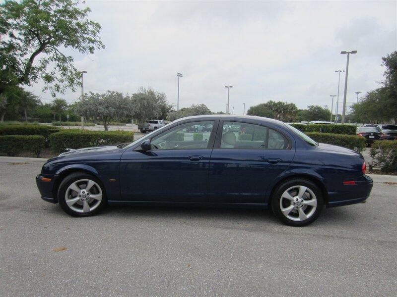2003 Jaguar S-Type 4.2:16 car images available