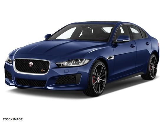 2018 Jaguar XE :2 car images available
