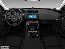 2018 Jaguar XE  25t Prestige