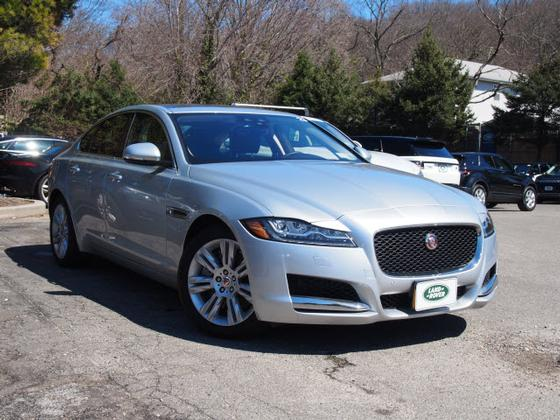 2017 Jaguar XF-Type 35t Premium:21 car images available