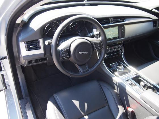2017 Jaguar XF-Type 35t Premium