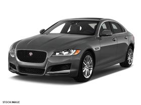 2017 Jaguar XF-Type 35t Prestige:3 car images available