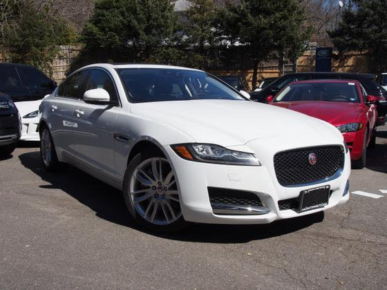 2016 Jaguar XF-Type 35t Prestige:21 car images available