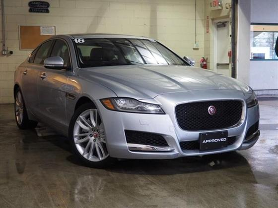 2016 Jaguar XF-Type 35t Prestige:20 car images available