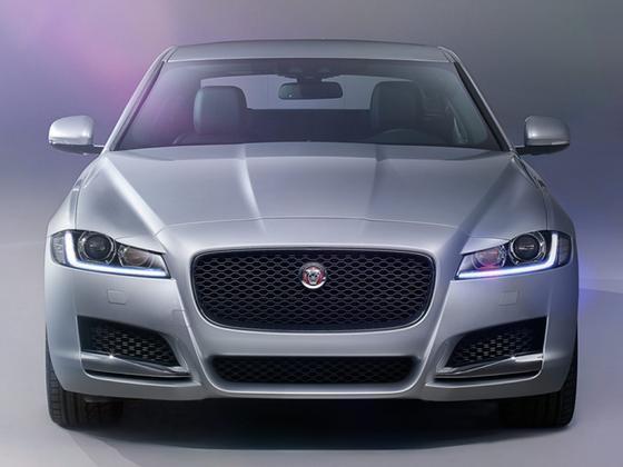 2018 Jaguar XF-Type Premium Luxury : Car has generic photo