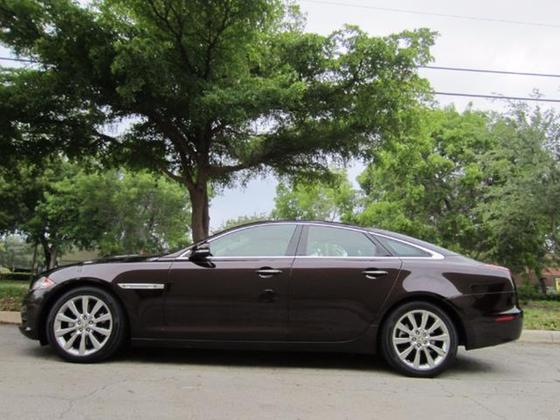 2011 Jaguar XJ-Type :16 car images available