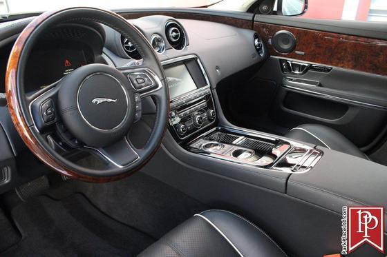2016 Jaguar XJ-Type R-Sport