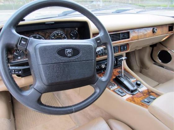 1992 Jaguar XJ-Type S