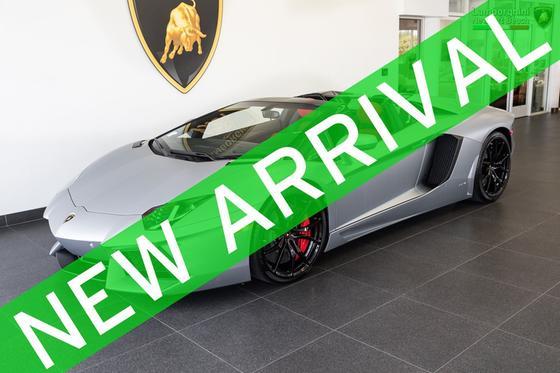 2017 Lamborghini Aventador LP700-4 Roadster:24 car images available