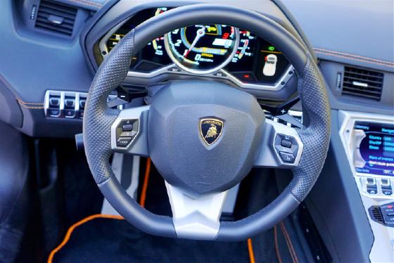 2017 Lamborghini Aventador LP700-4 Roadster