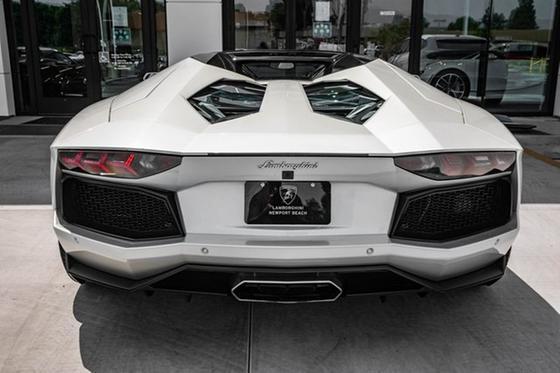 2016 Lamborghini Aventador LP700-4 Roadster