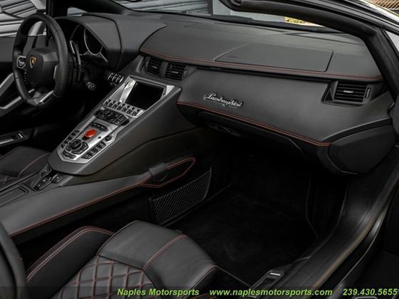 2015 Lamborghini Aventador LP700-4