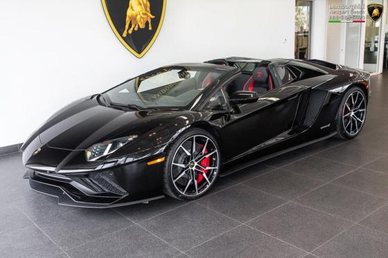 2018 Lamborghini Aventador S Roadster:24 car images available