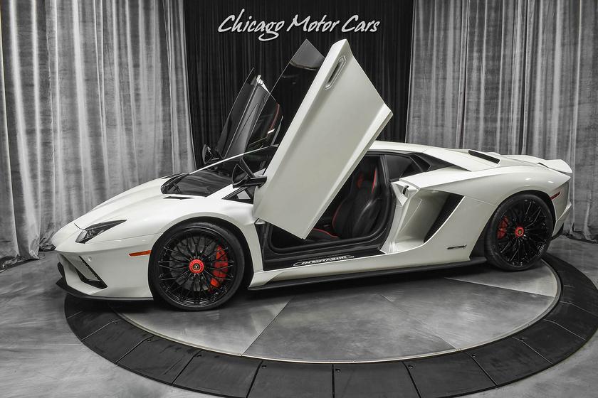 2017 Lamborghini Aventador S:24 car images available