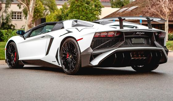 2017 Lamborghini Aventador SV:15 car images available