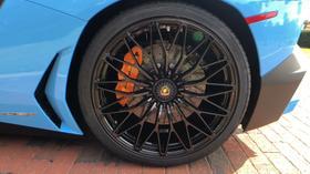 2017 Lamborghini Aventador SV