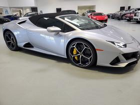 2020 Lamborghini Huracan EVO : Car has generic photo