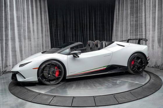 2018 Lamborghini Huracan Performante Spyder:24 car images available