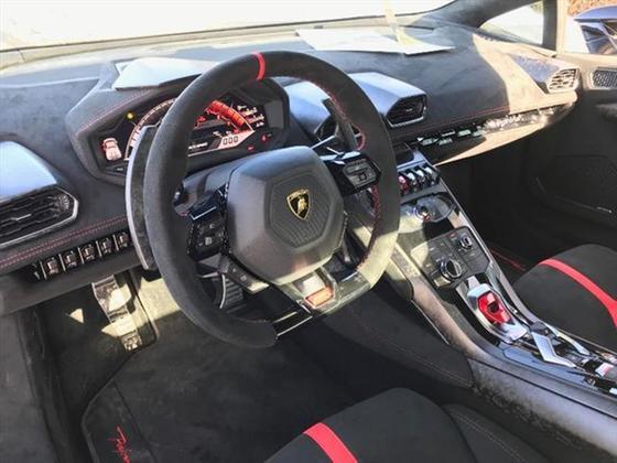 2019 Lamborghini Huracan Performante