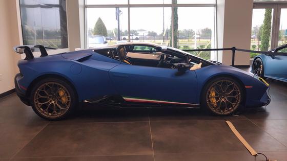2019 Lamborghini Huracan Performante:3 car images available