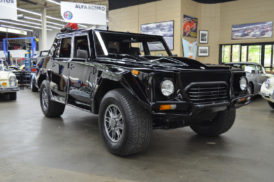 1990 Lamborghini LM002 :12 car images available