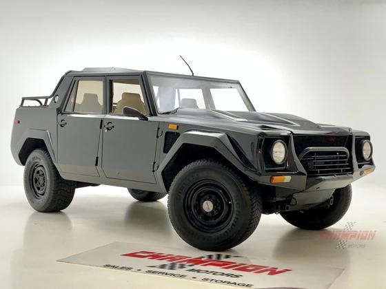 1989 Lamborghini LM002 :24 car images available
