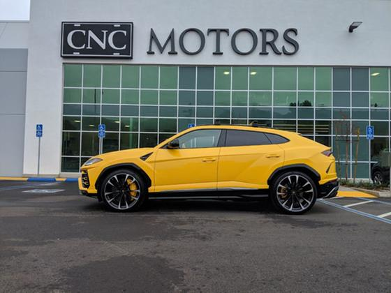 2019 Lamborghini Urus :23 car images available