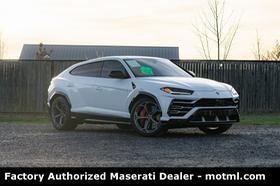 2019 Lamborghini Urus :18 car images available
