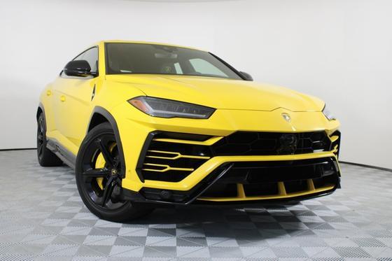 2019 Lamborghini Urus :20 car images available