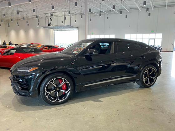 2019 Lamborghini Urus :6 car images available