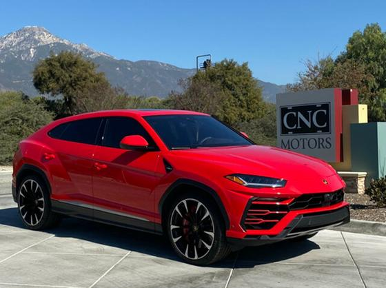 2020 Lamborghini Urus :11 car images available