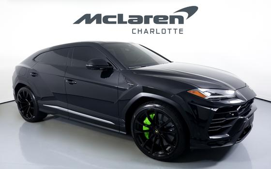 2020 Lamborghini Urus :24 car images available