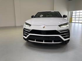 2019 Lamborghini Urus :13 car images available