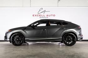 2019 Lamborghini Urus :24 car images available