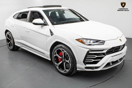 2020 Lamborghini Urus :23 car images available