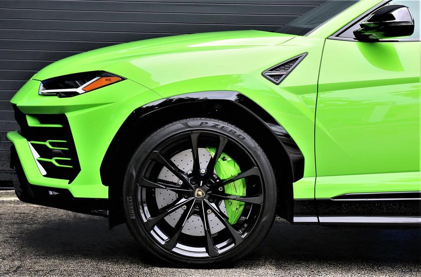 2021 Lamborghini Urus :3 car images available
