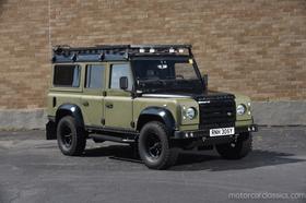 1983 Land Rover Defender 110 : Car has generic photo