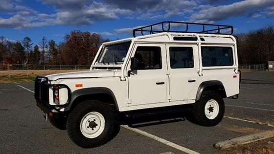 1993 Land Rover Defender 110:24 car images available