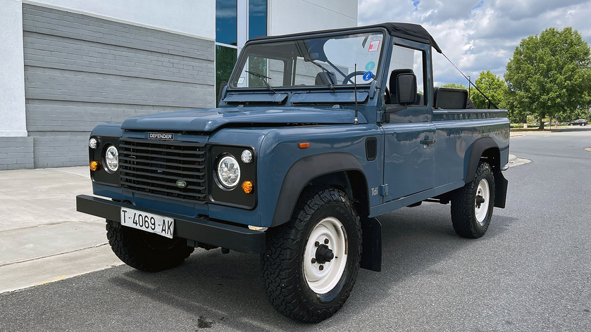 1992 Land Rover Defender 110:24 car images available