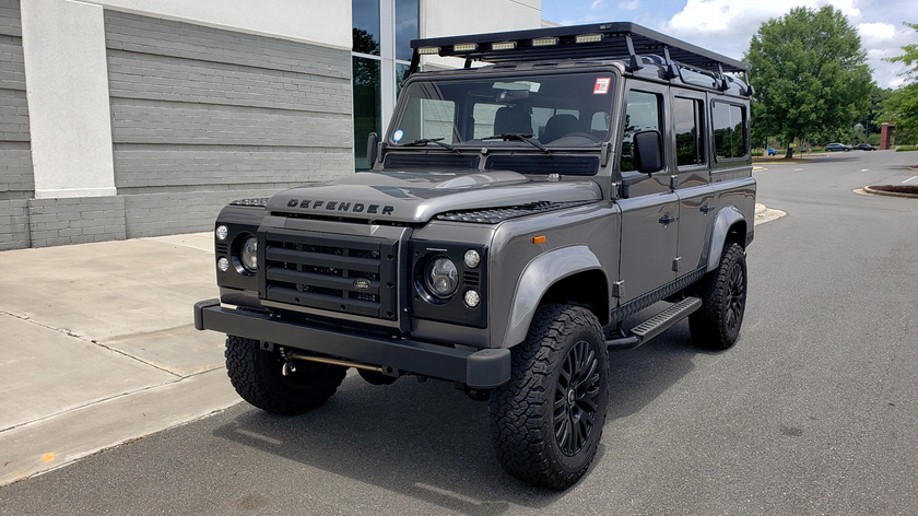 1988 Land Rover Defender 110:24 car images available