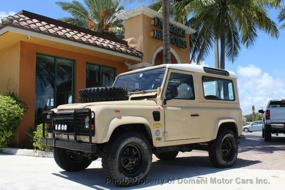 2010 Land Rover Defender 90 Hard Top:24 car images available