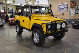 1995 Land Rover Defender 90 Soft Top:22 car images available