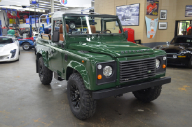 1994 Land Rover Defender 90 Soft Top:12 car images available