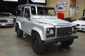 1993 Land Rover Defender 90 Soft Top:9 car images available