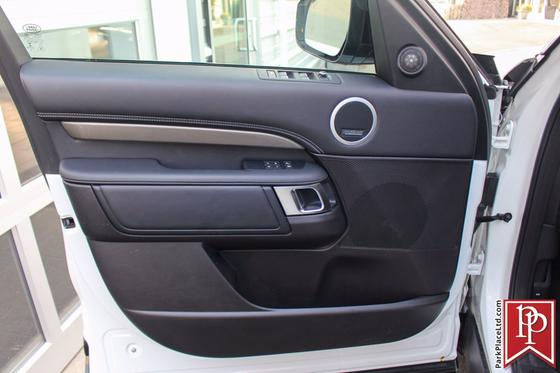 2017 Land Rover Discovery HSE Luxury