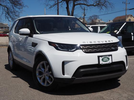 2017 Land Rover Discovery SE:23 car images available