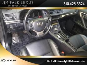 2017 Lexus CT 200h:24 car images available